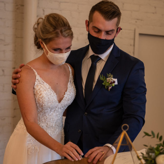https://fourfathersbrewing.ca/wp-content/uploads/2021/02/MattLoganWedding_-056-scaled-e1612901405221-640x640.jpg